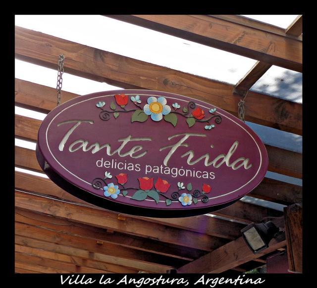 80 - Villa la Angostura (Large)